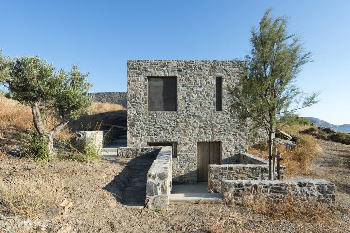 Κατοικία στο Δελφίνι Σύρου, εξωτερική όψη