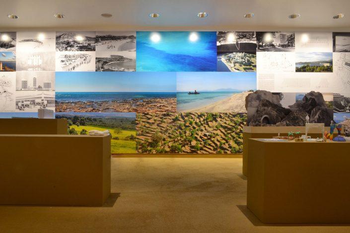 Τοπία Τουρισμού: Ξαναφτιάχνοντας την Ελλάδα, 14η Μπιενάλε Αρχιτεκτονικής, Βενετία, 2014 (φωτο: Λ. Καλπαξίδης)