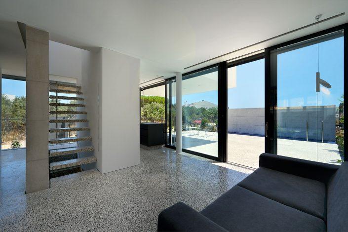 E house, Artemida